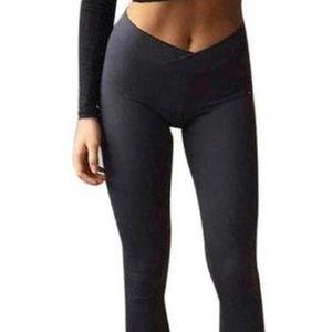 Black leggings with V shape Waist band